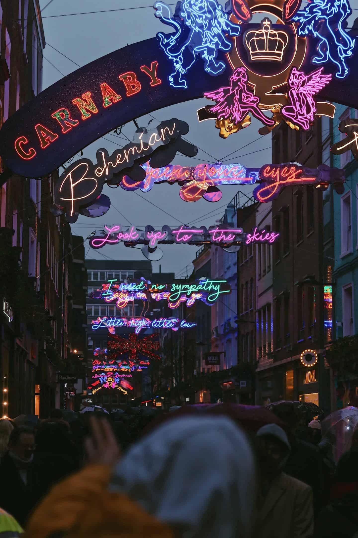 carnaby-street-london-famous-streets-in-london