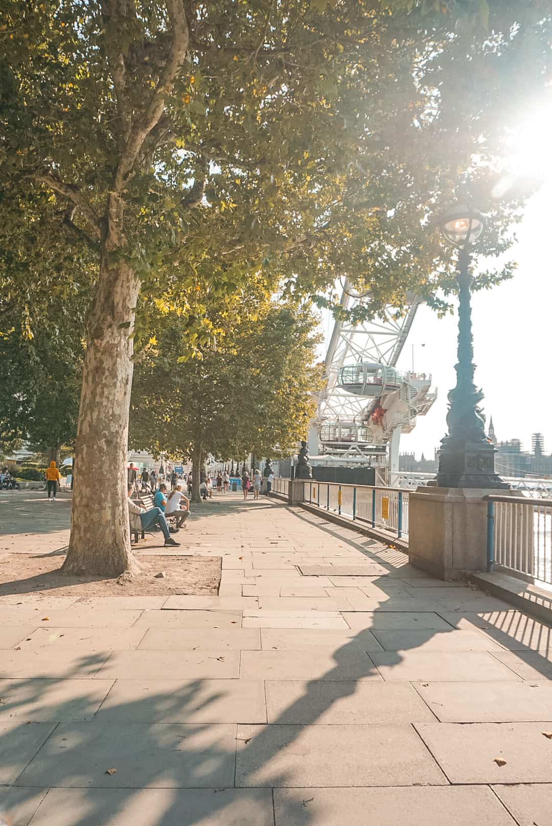 The Queen's Walk London