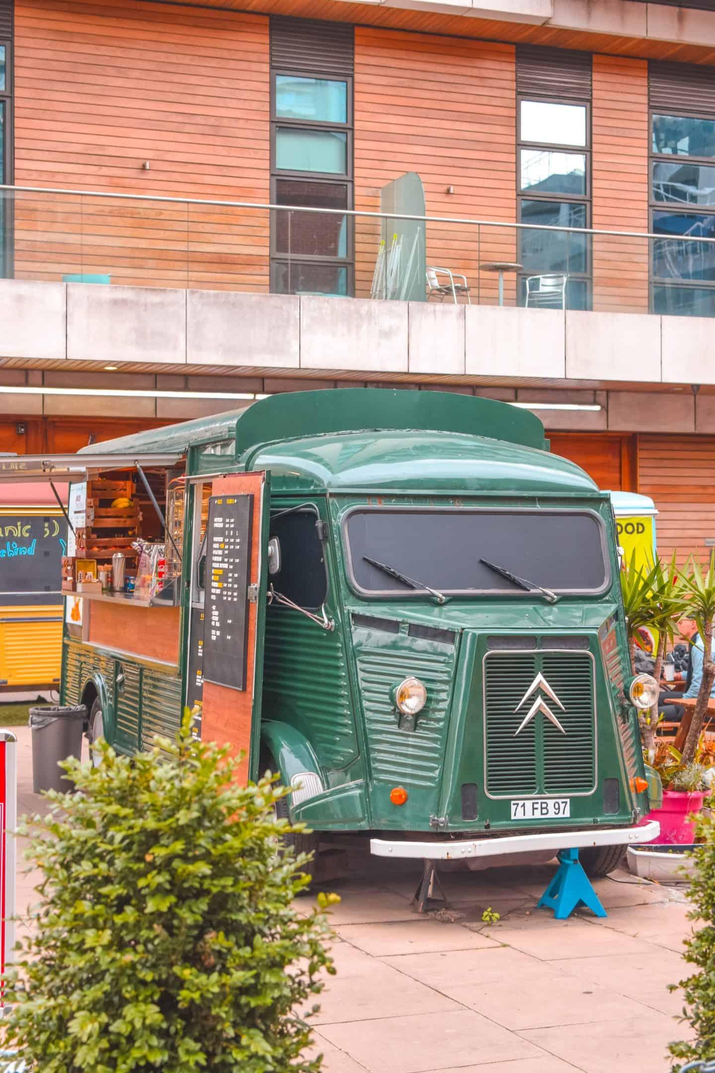 Street Van Canary Wharf
