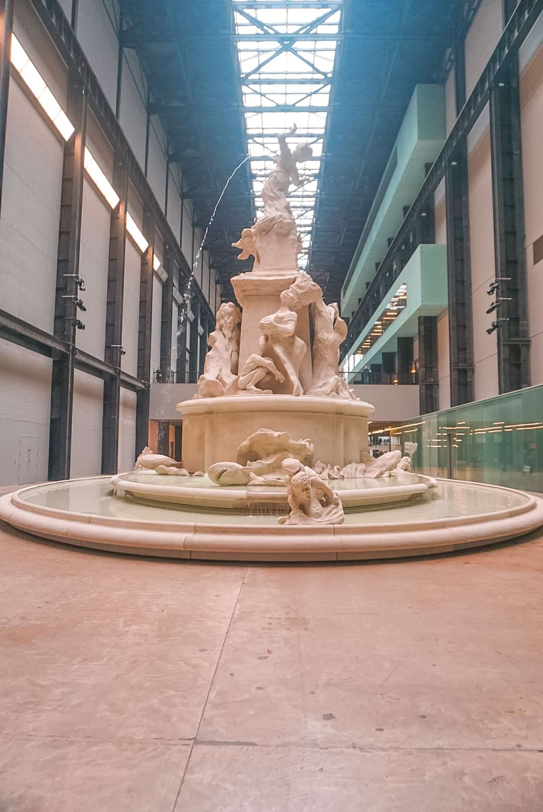 Fountain-at-Tate-Modern-Art-London