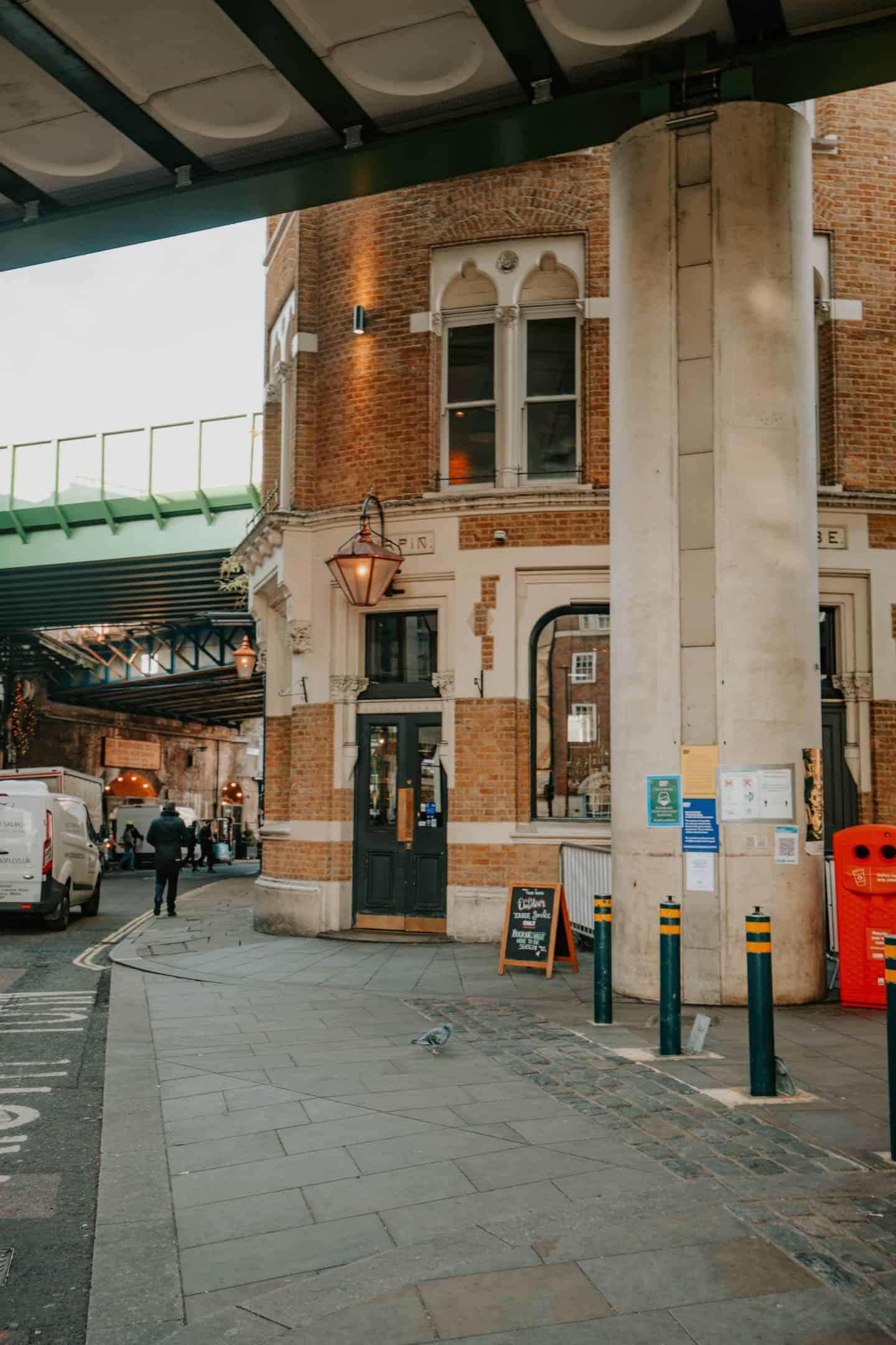 bridget-jones-flat-bedale-street