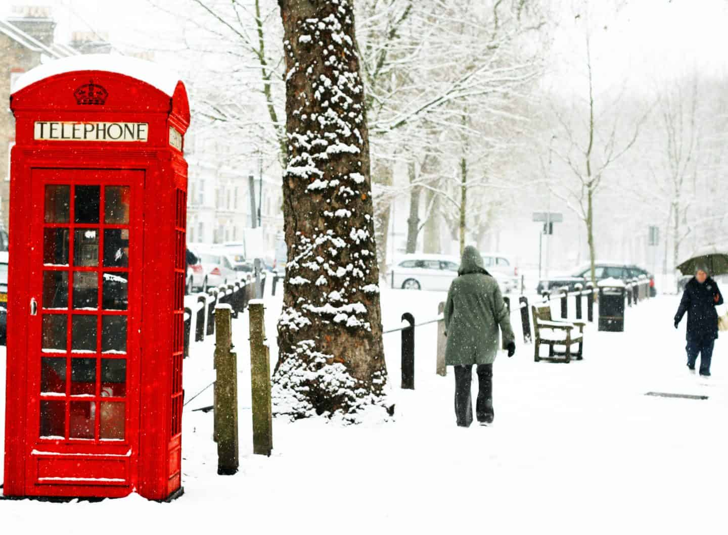 red-telephone-booth-london