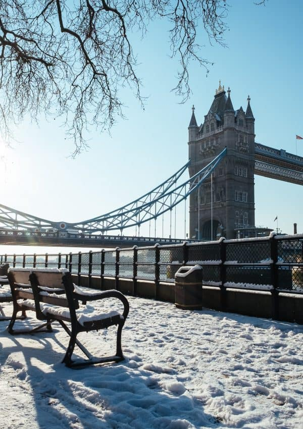 When Does it Snow in London? Your Ultimate London Snow Day Guide