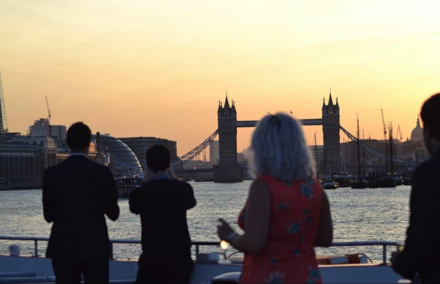 Sunset-Cruise-unique-experiences-in-london