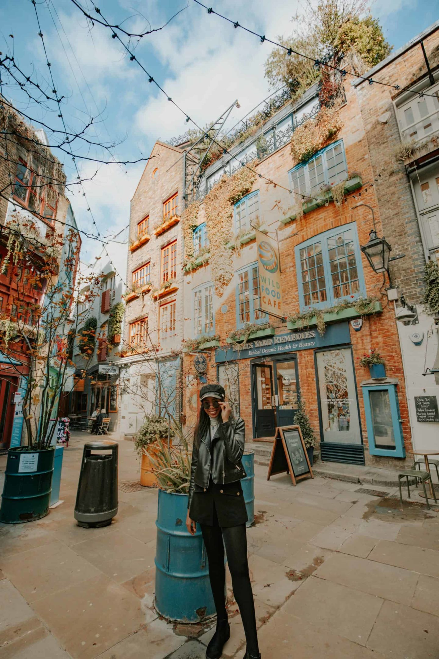 neals-yard-covent-garden-colorful-street