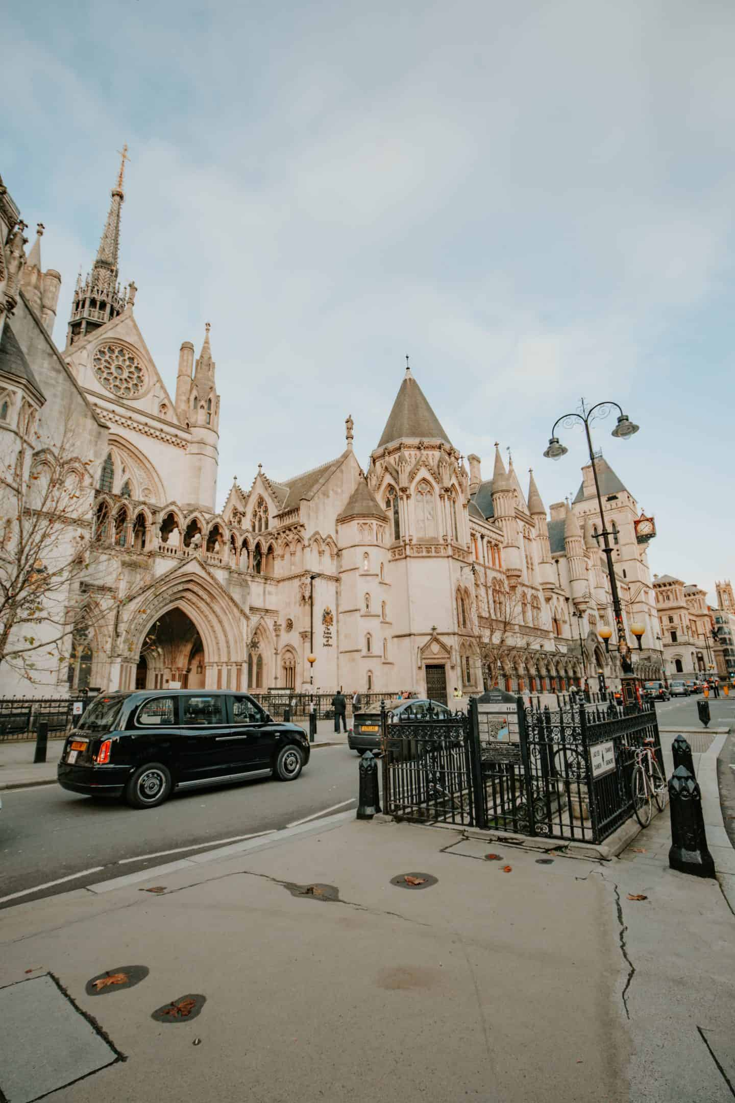 Royal-Courts-of-Justice-the-Strand-London